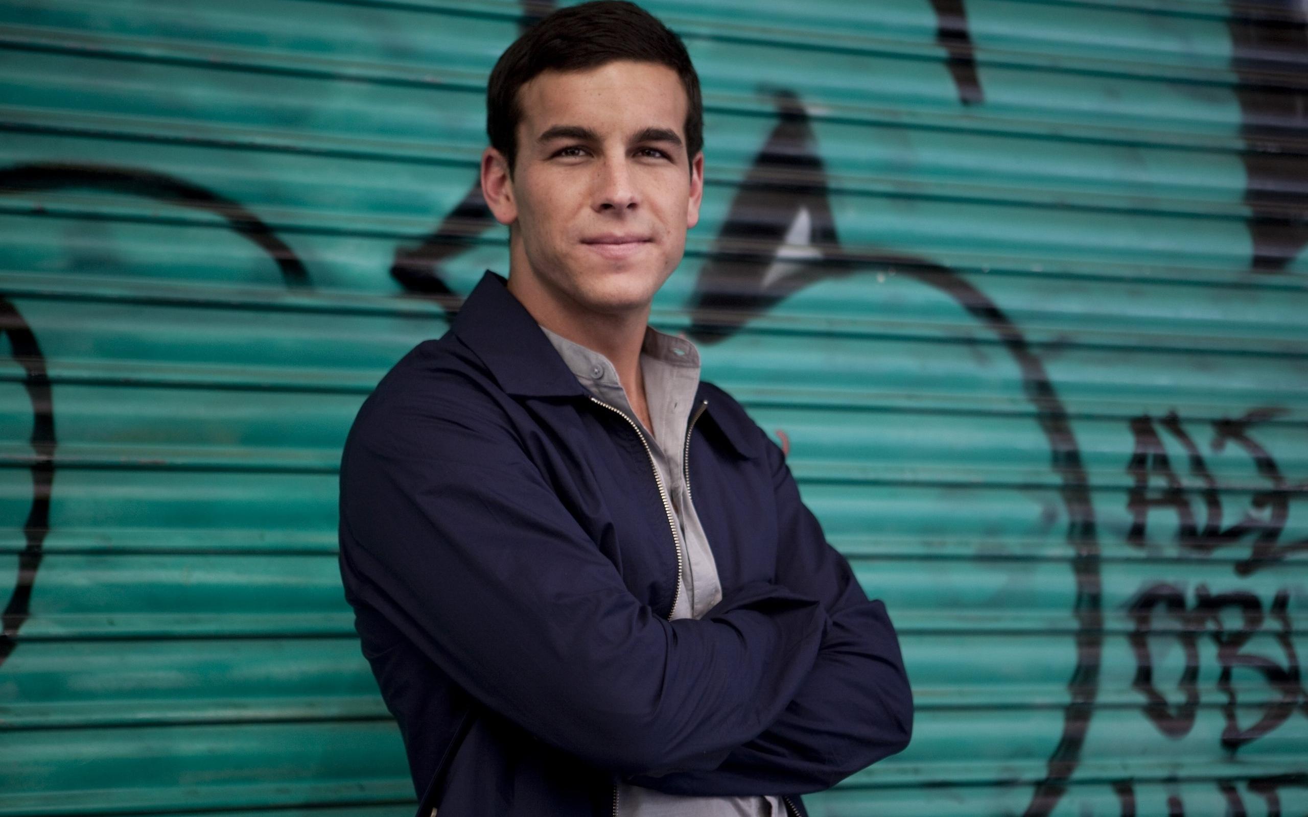 Men___Male_Celebrity_Actor_Mario_Casas_056923_19